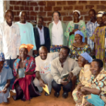 Sr Gilberte et les catéchistes en formation à Doumé.