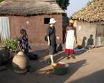 Sr Krystyna dans un village près de Kouandé.